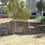 L'edificio funerario rimontato nell'area antistante il Museo.